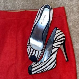 Guess Zebra White Brown Black Pony Hair Leather Open Peep Toe Mallory Heels 6
